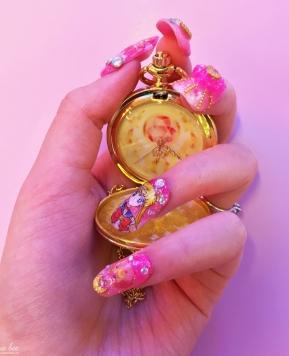 Lhouraii's Nails: Sailor Moon Gyaru Nails Review!