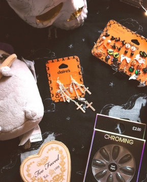 Trick or Treat! Halloween Goodies and Makeup Haul