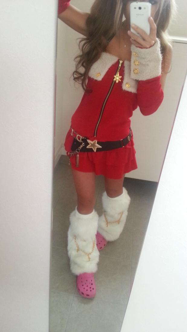 Christmas gyaru outfit in tsuyome style
