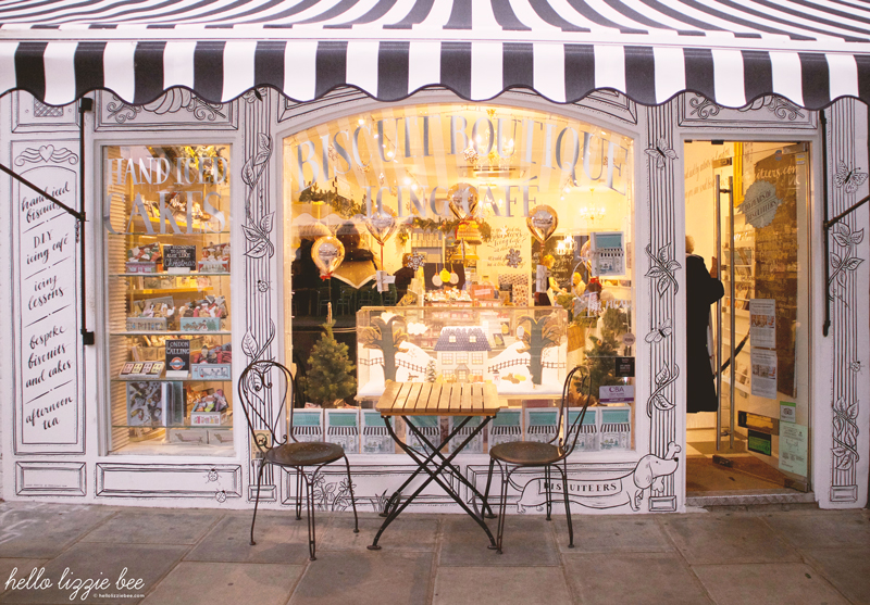 Biscuiteers boutique and cafe at Christmas by hellolizziebee