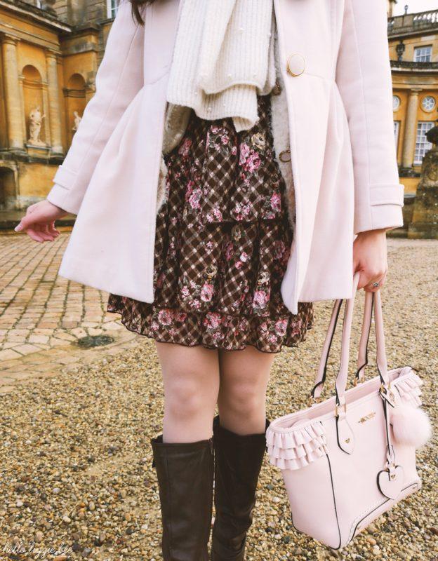 Liz Lisa winter outfit details