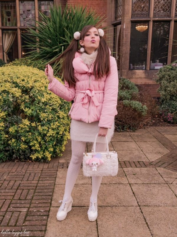 Cute pink winter outfit by kawaii blogger hellolizziebee