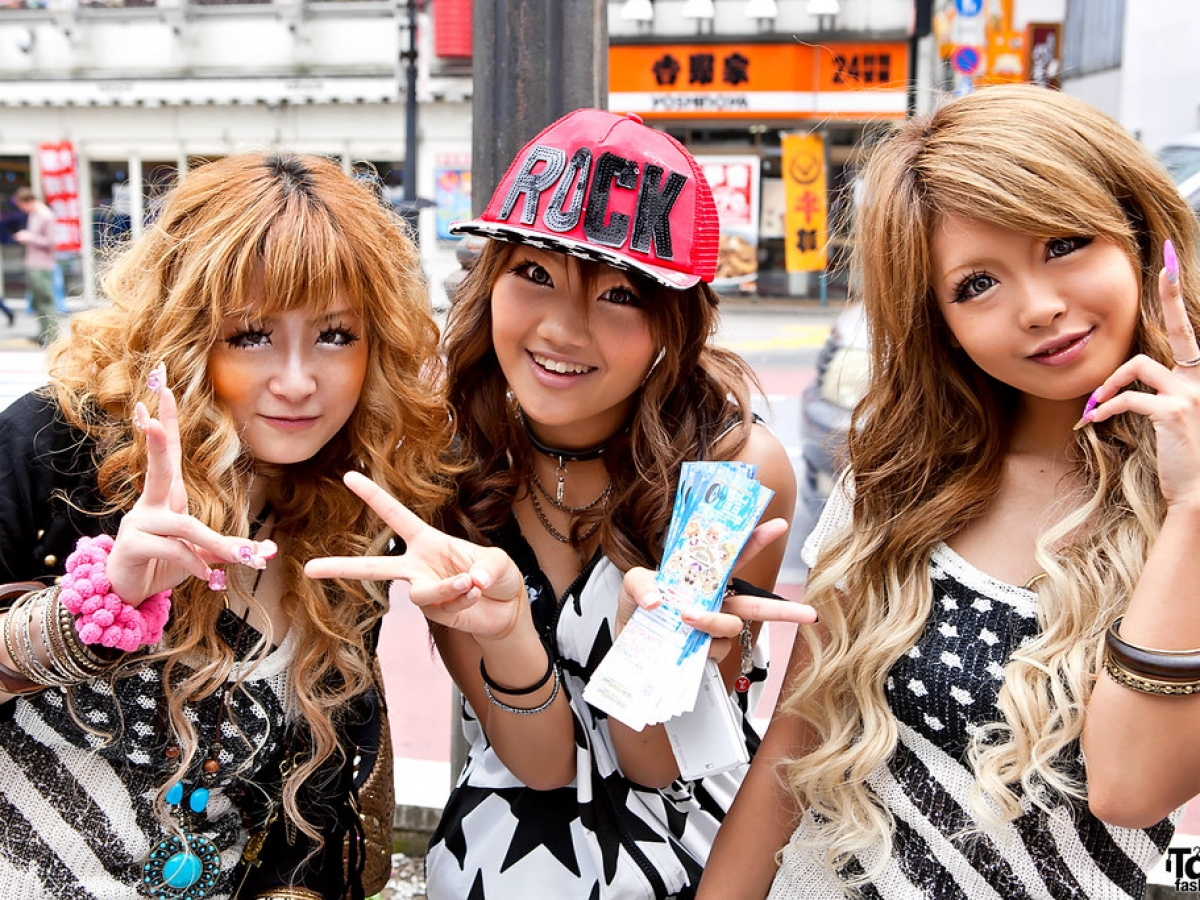Gyaru for Beginners: How to Get Started (+ Free Checklist)