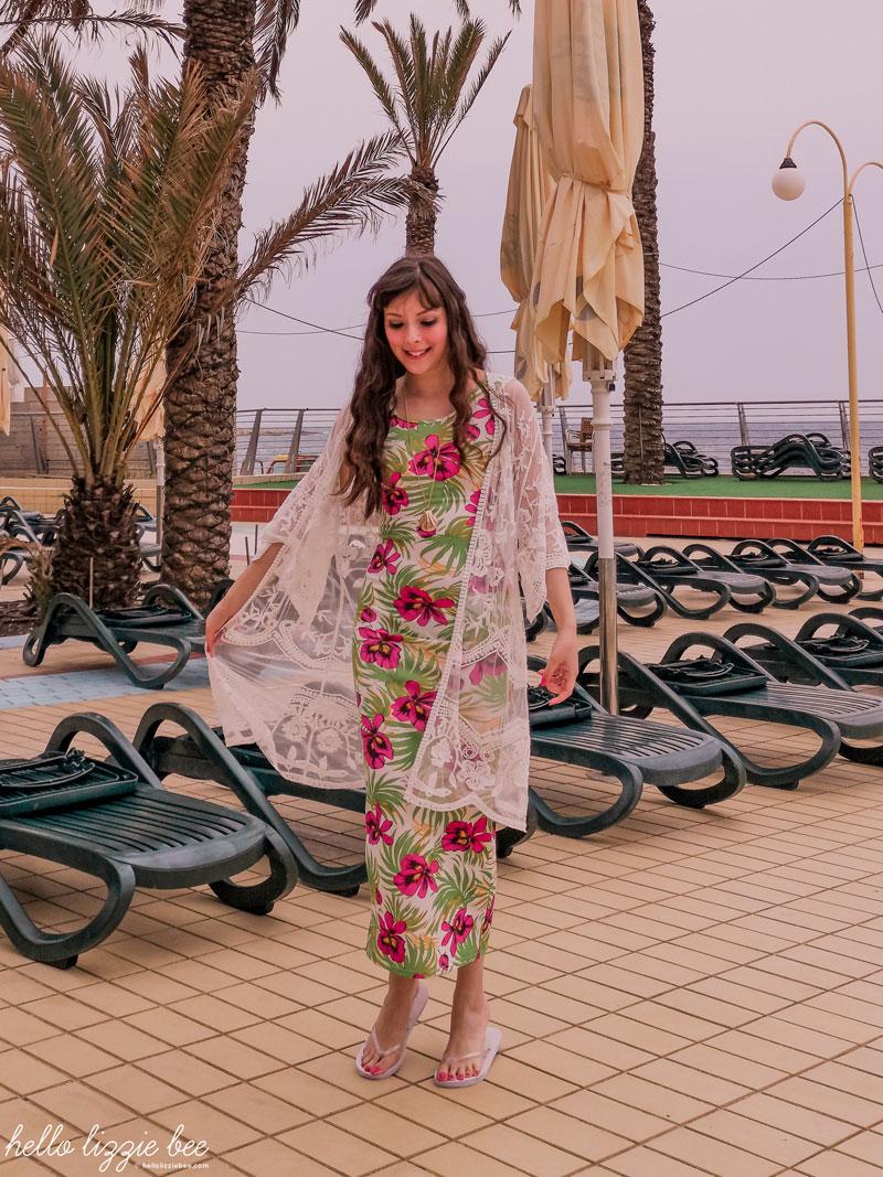 Floral maxi dress from boohoo via hellolizziebee